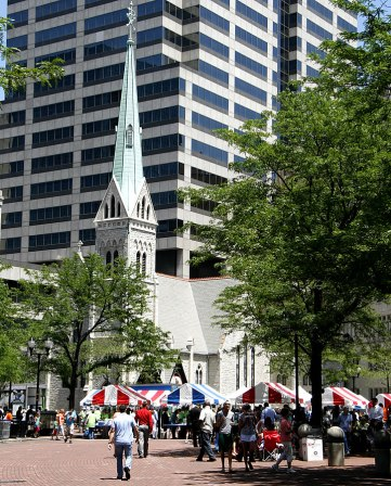 christ-church-cathedral-and-tents-at-strawberry-festival