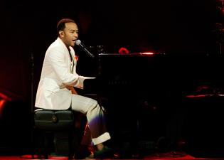 Sade With John Legend In Concert In Kansas City