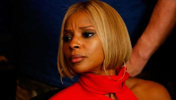 Mary J. Blige attends the Floyd Mayweather/Manny Pacquiao fight in Las Vegas